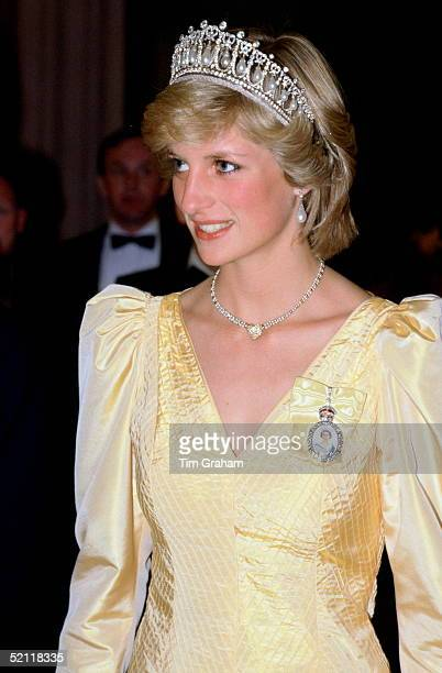 Princess Diana At A Banquet During An Official Visit To Canada Wearing The Cambridge Knot Diamond And Pearl Tiara With A Heartshaped Diamond Necklace...