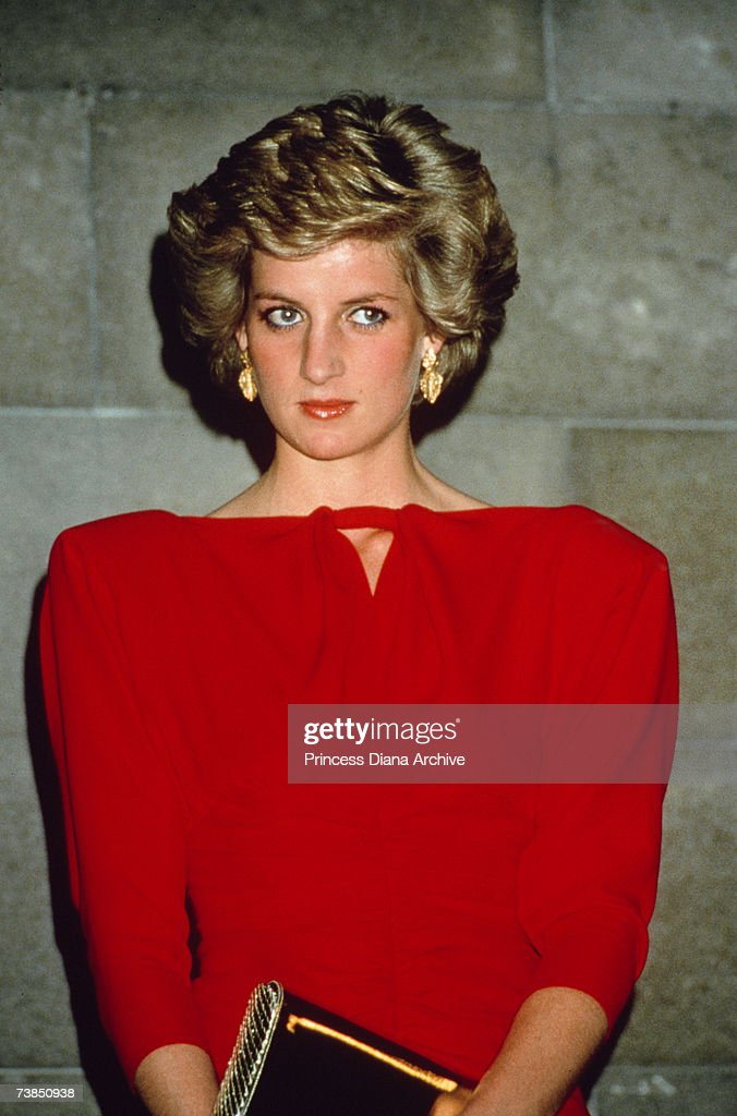 Diana In Shoulder-Pads : News Photo
