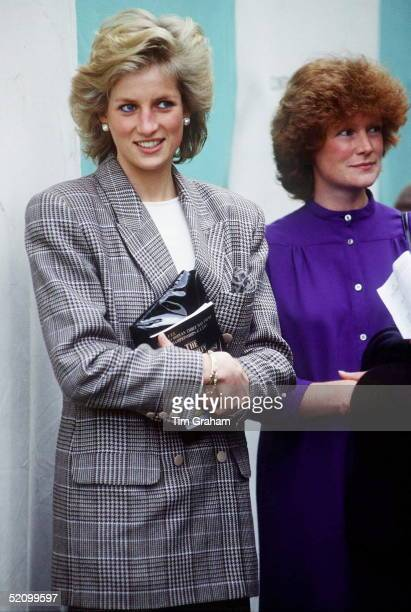 Princess Diana At Burghley Horse Trials With Her Sister Lady Sarah Mccorquodale