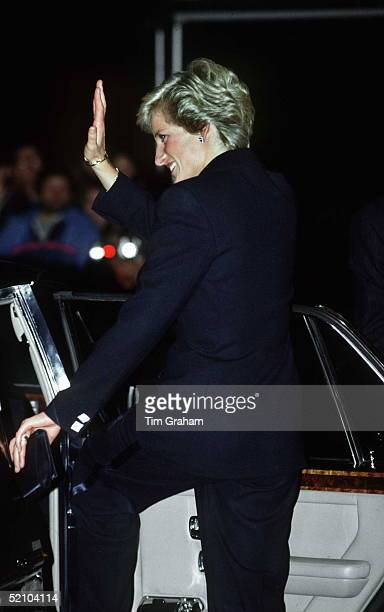 Princess Diana At The Royal Albert Hall For A Phil Collins Concert In Aid Of The Prince's Trust Circa 1990s