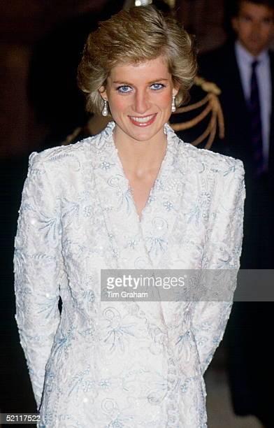 Princess Diana Attending A Dinner Function At Du Chateau De Chambord In Paris
