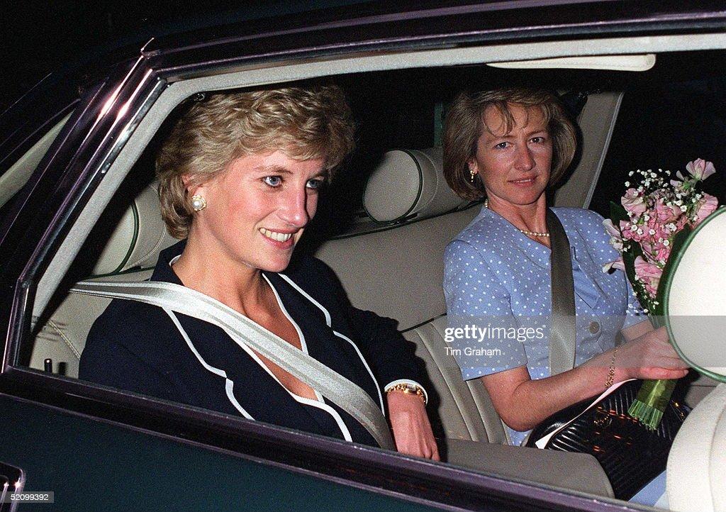 Diana Fastening Seat Belt : Nachrichtenfoto