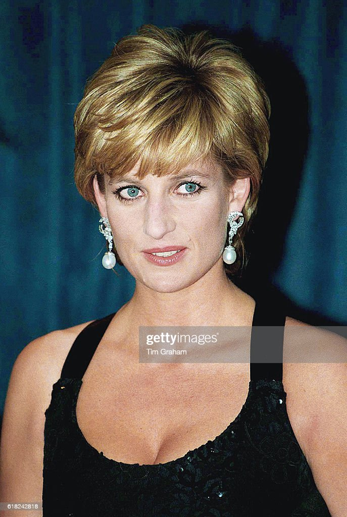 Princess Diana at Awards Ceremony : News Photo