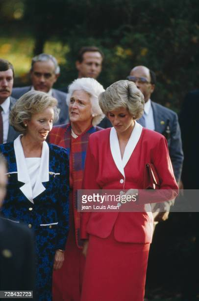 Princess Diana in Washington DC on a visit to a psychiatric hospital during an official trip to the United States 9th November 1985 Behind the...