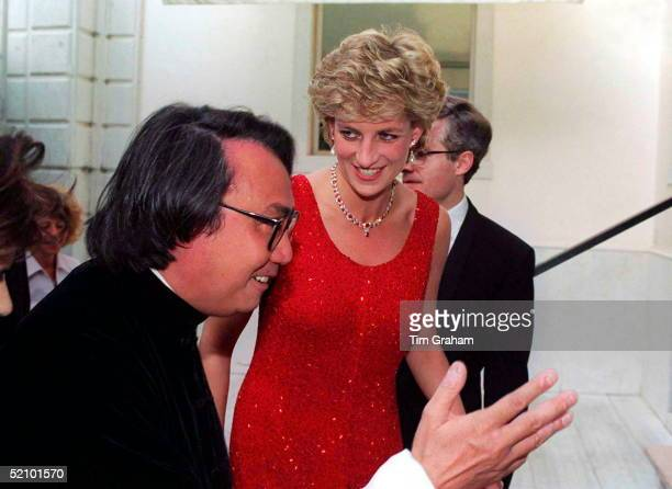 Princess Diana Arriving At The Peggy Gugenheim Museum For A Reception As Part Of The Biennale Exhibition In Venice With Her Is Her Host David Tang...