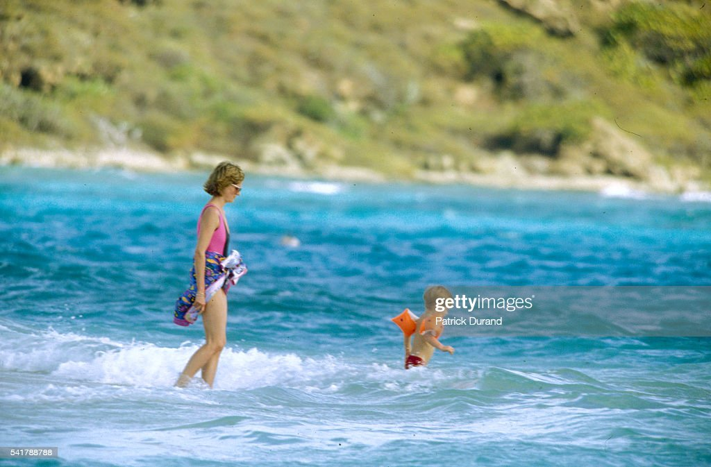 Princess Diana on Vacation with Her Sons : News Photo