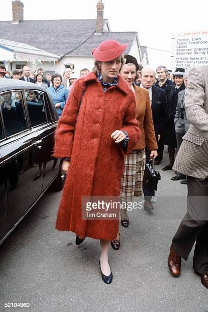 Princess Diana , Pregnant, At The Grand National Races In Aintree, Liverpool.