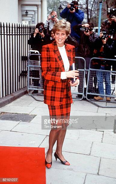 Princess Diana Visiting Academia Italiana In London Being Photographed By A Crowd Of Press Photographers