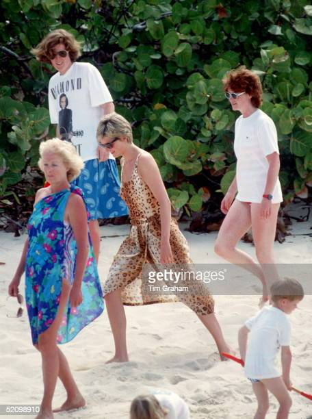 Princess Diana Walking Along A Sandy Beach With Her Sisters Lady Jane Fellowes And Lady Sarah Mccorquodale And Their Mother Mrs Frances Shandkydd On...