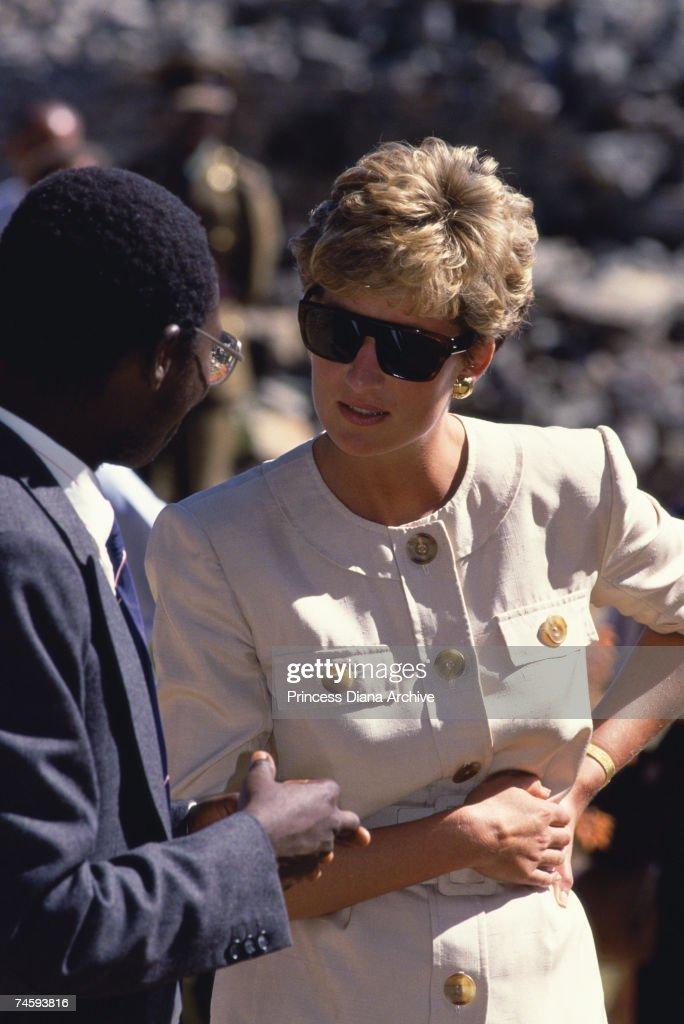 Diana At Great Zimbabwe : News Photo