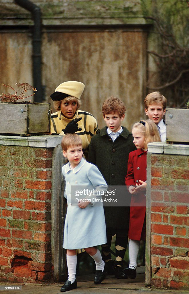 Diana And Children : News Photo