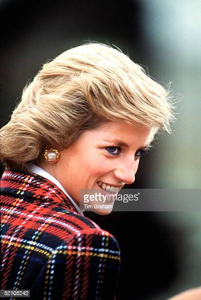 Princess Diana Wearing Tartan Coat During A Visit To France 7 11 November 1988