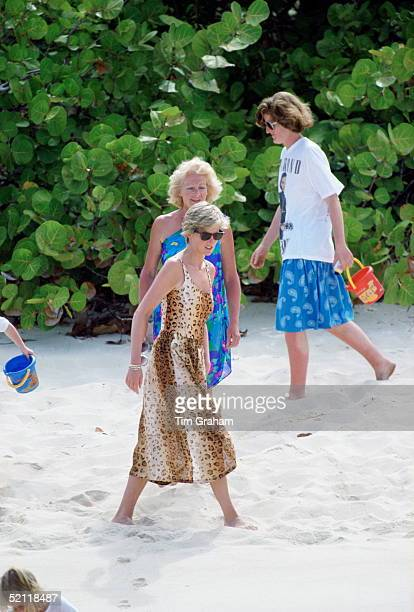 Princess Diana With Her Mother Frances Shandkydd And Sister Lady Jane Fellowes On Necker Island The Princess Is Wearing A Jantzen Leopard Print...