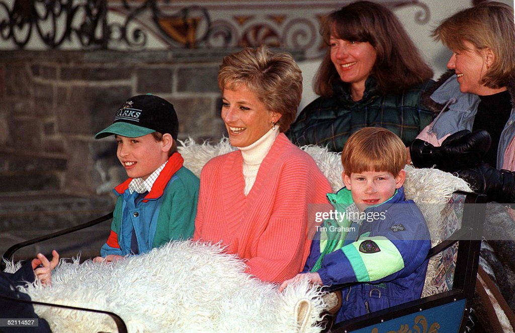 Diana William Harry Ski Holiday : News Photo