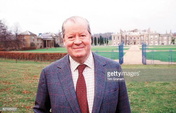 Princess Diana's Father Earl Spencer Outside His Home Althorp House In Northamptonshire
