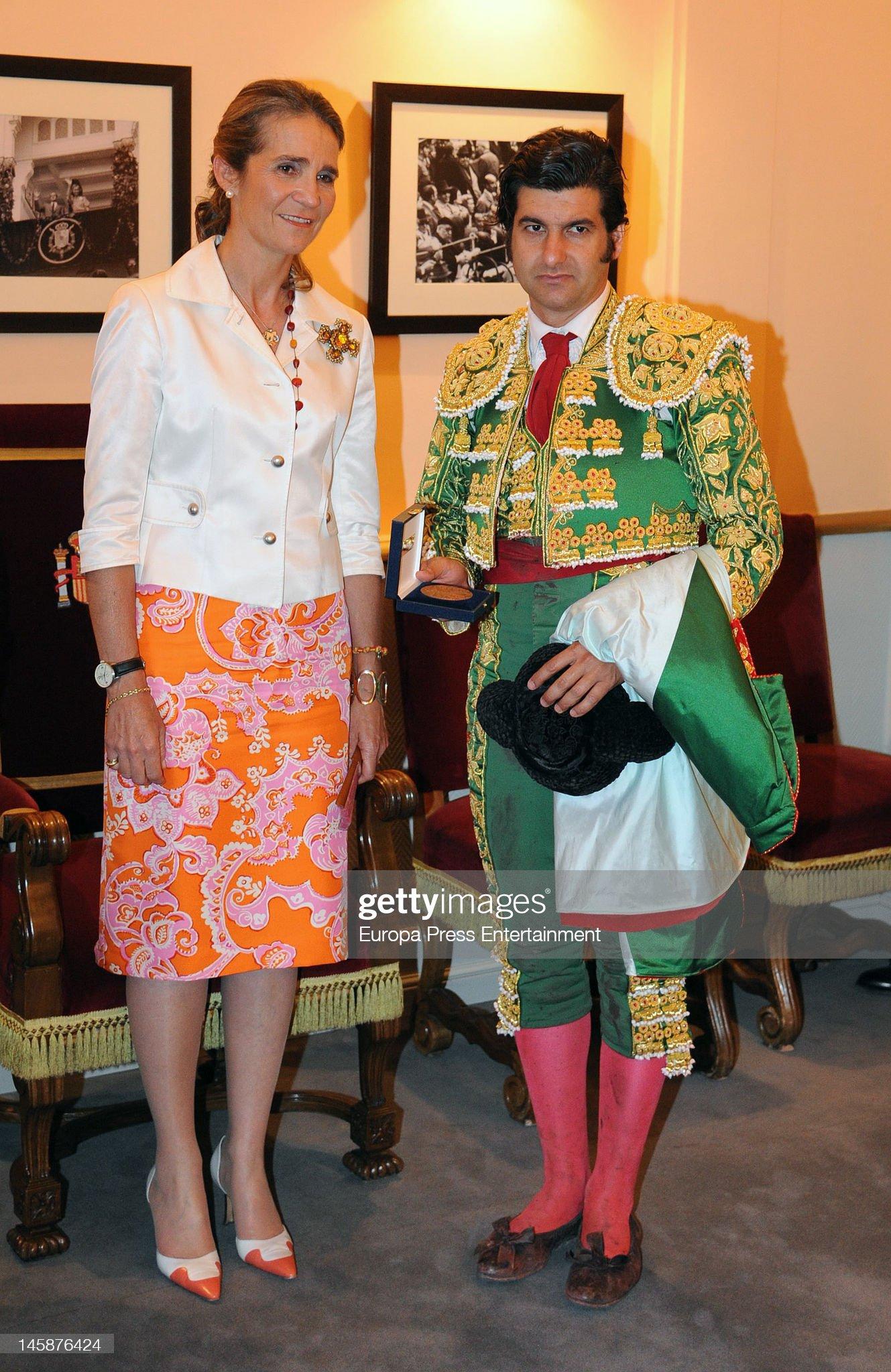 Una foto de Morante cada día - Página 19 Princess-elena-and-morante-de-la-puebla-attend-beneficiencia-at-de-picture-id145876424?s=2048x2048