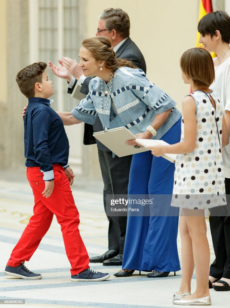 Princess Elena de Borbon presents an award for the 'Patrimonio Nacional Painting's Contest for Children' at Royal Palace on June 8, 2017 in Madrid, Spain.