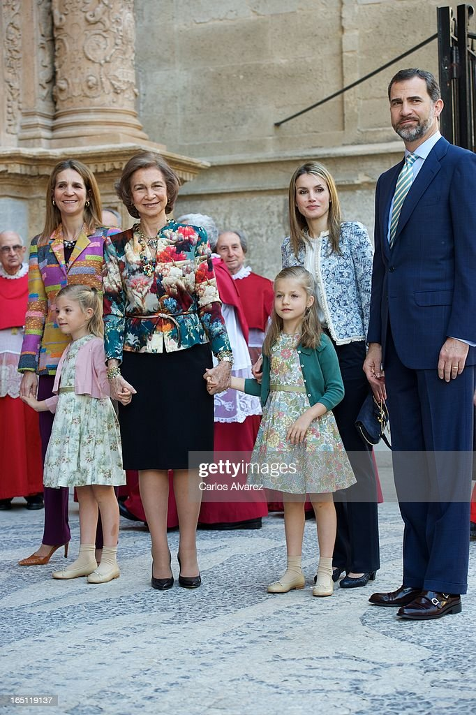 Princess Elena of Spain, Princess Sofia of Spain, Queen Sofia of Spain, Princess Leonor of Spain, Princess Letizia of Spain and Prince Felipe of Spain attend Easter Mass at the Cathedral of Palma de Mallorca on March 31, 2013 in Palma de Mallorca, Spain.