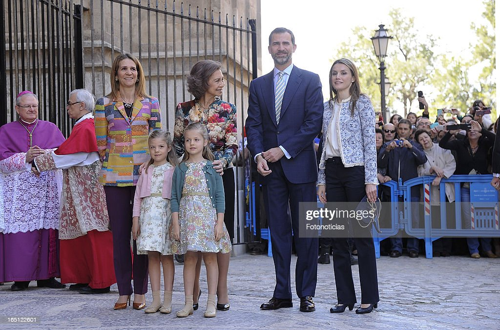 Princess Elena of Spain, Queen Sofia of Spain, Prince Felipe of Spain, Princess Letizia of Spain and her daughters Princess Sofia (L) and Princess Leonor attend Easter Mass at The Cathedral of Palma de Mallorca on March 31, 2013 in Palma de Mallorca, Spain.
