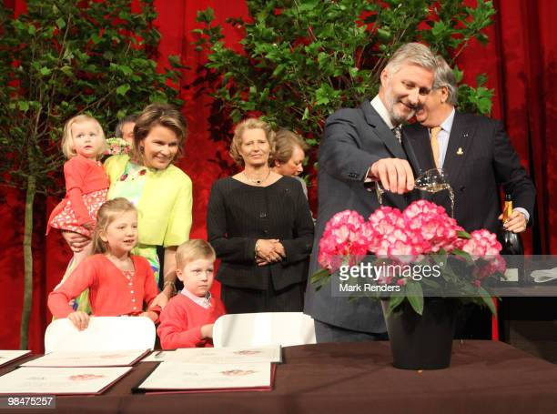 Princess Eleonore of Belgium Princess Mathilde of Belgium Princess Elisabeth of Belgium Prince Emmanuel of Belgium Prince Gabriel of Belgium and...