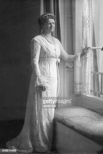Princess Eleonore of SolmsHohensolmsLich Grand Duchess of Hesse and by Rhine *17091871 second wife of ErnstLudwig Grand Duke of Hesse and by Rhine...