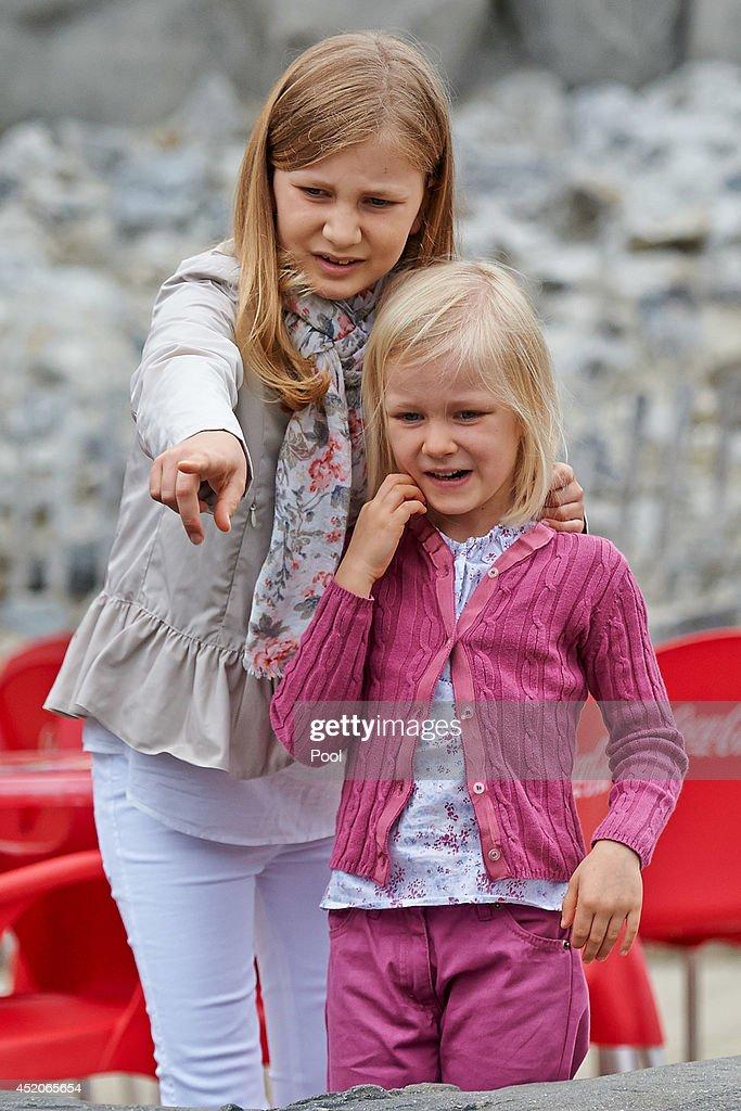 Belgian Royal Family Visit Sealife : News Photo