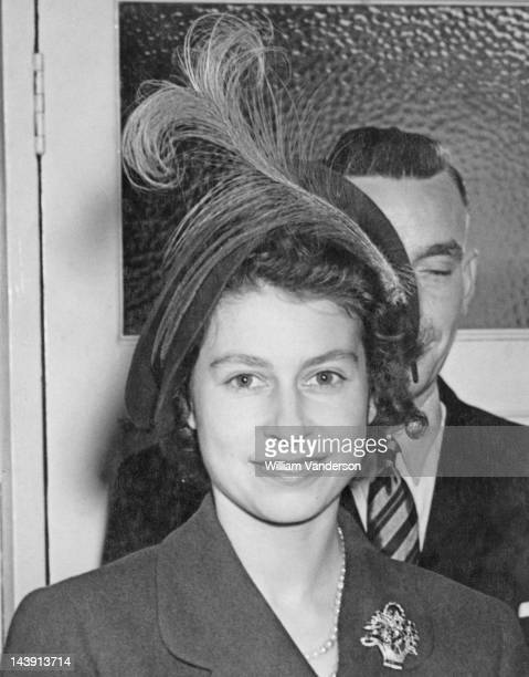 Princess Elizabeth during a visit to members of the public at their homes in Ilford Essex 25th October 1949