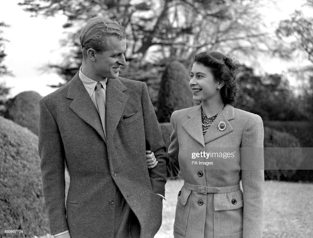 Royalty - Princess Elizabeth and Duke of Edinburgh Honeymoon - Broadlands : News Photo