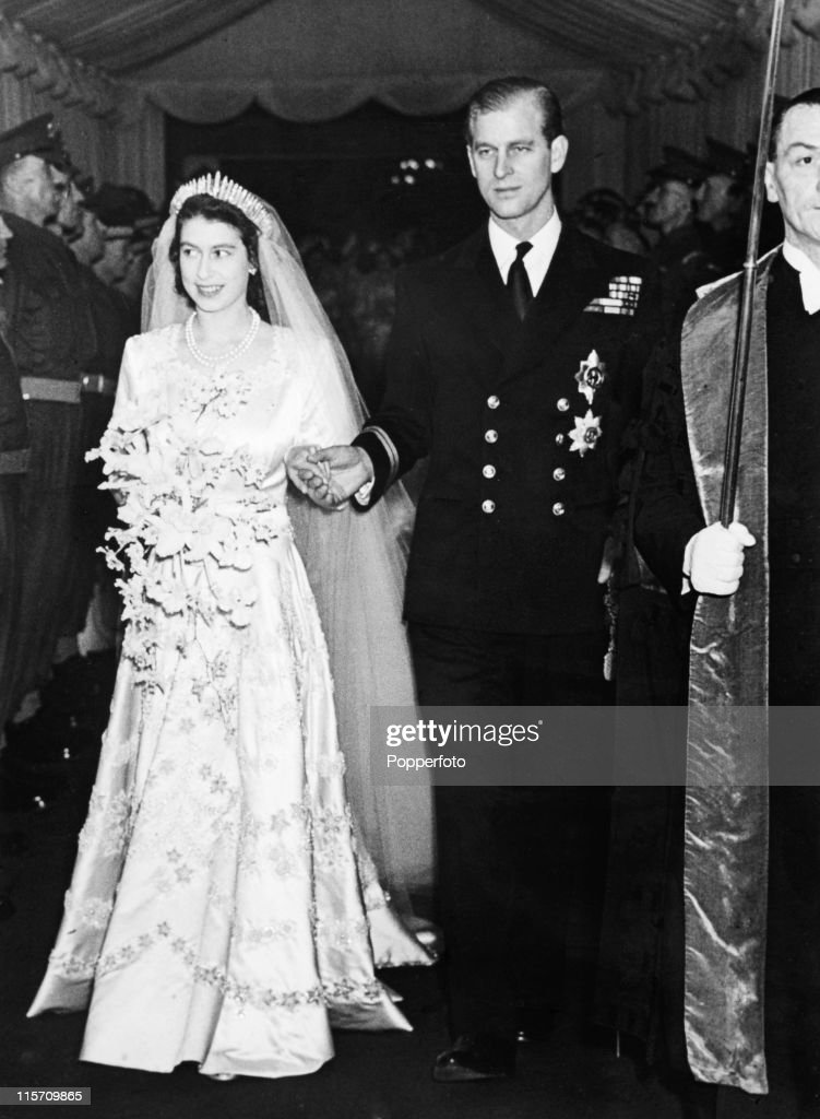 Princess Elizabeth, now Queen Elizabeth II, and Prince Philip leave Westminster Abbey, London after their wedding on 20th November 1947. (Photo by Popperfoto/Getty Images).