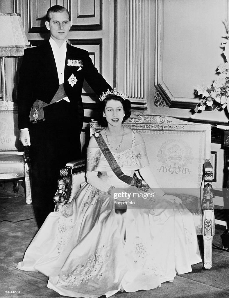Princess Elizabeth And Prince Philip In Paris : News Photo