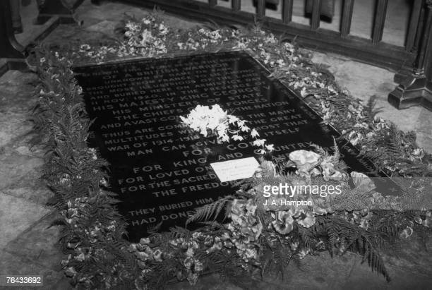 Princess Elizabeth's wedding bouquet of orchids laying on The Tomb of the Unknown Warrior at Westminster Abbey 22nd November 1947