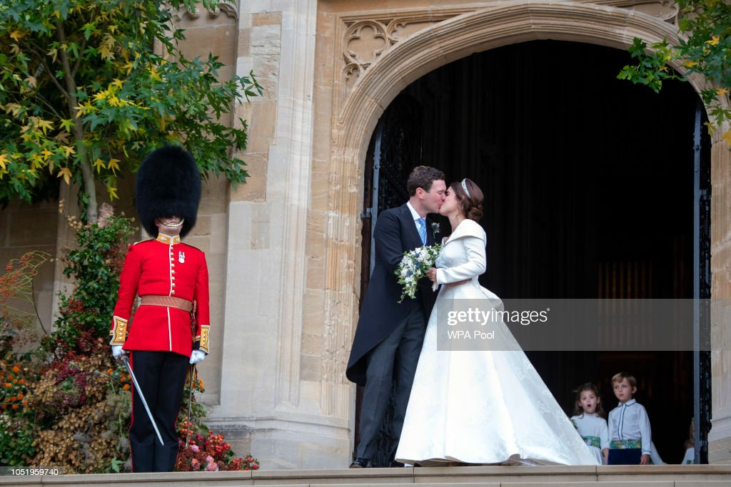 Princess Eugenie Of York Marries Mr. Jack Brooksbank : Fotografía de noticias