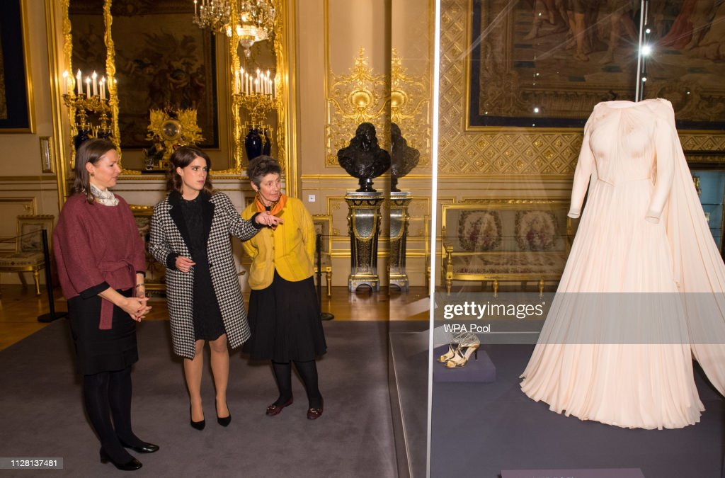 A Royal Wedding: HRH Princess Eugenie and Mr Jack Brooksbank Exhibition Preview At Windsor Castle : Nachrichtenfoto