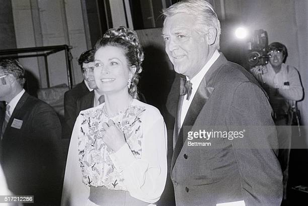 Princess Grace and Cary Grant at a fundraising event in Hollywood in 1971 It was one of the few times the former Grace Kelly returned to Hollywood...