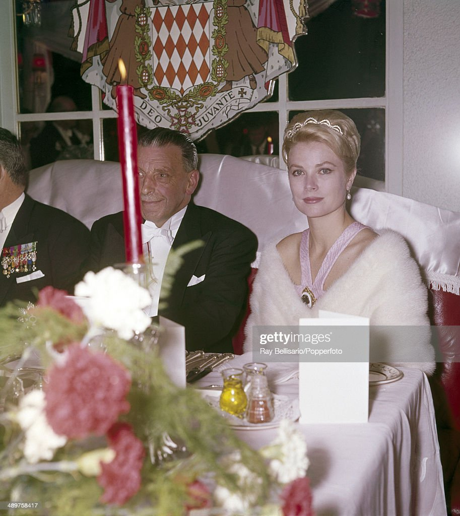 Princess Grace Of Monaco And Sean Lemass Of Ireland : News Photo