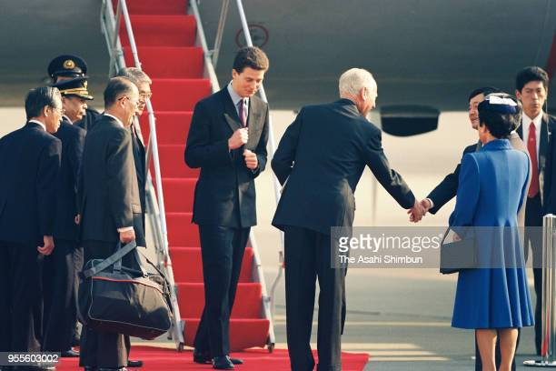 Princess Hanako of Hitachi, Prince Hitachi and Crown Prince Naruhito see off Hereditary Prince Alois of Liechtenstein after Emperor Akihito's...