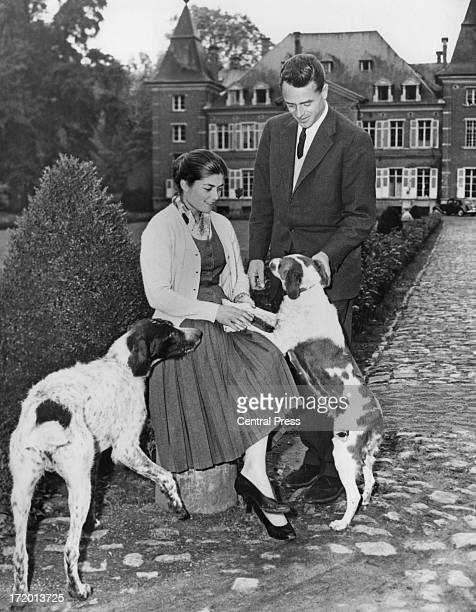 Princess Helene Astrid Leopoldine Marie daughter of Princess Isabelle of OrleansBraganza and Henri Count of Paris with her fiance Count Evrard de...
