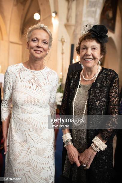 Princess Helene of Yugoslavia poses after her wedding with Princess Maria Pia of Bourbon Parme at Saint Etienne de Janville church on September 15...