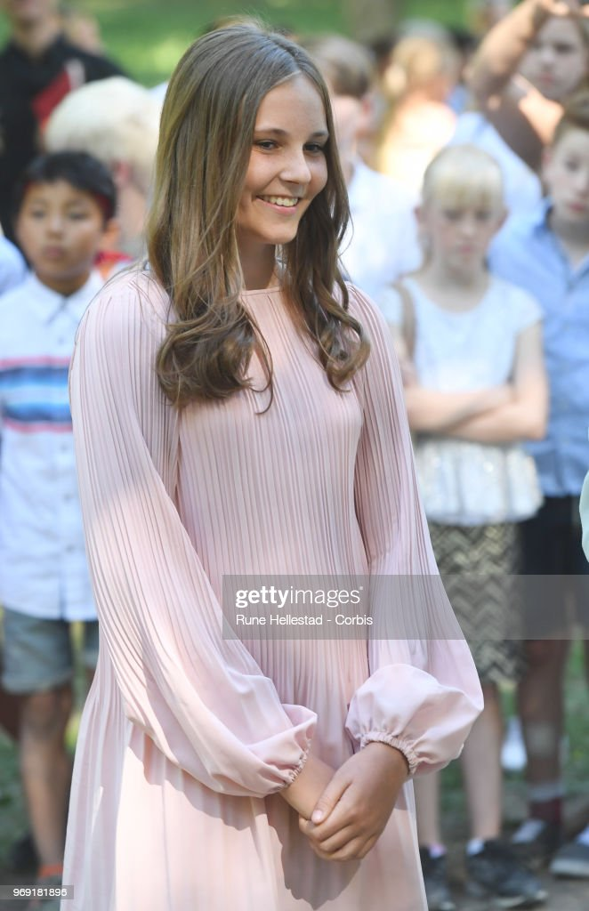 princess-ingrid-alexandra-attends-the-unveiling-of-sculptures-in-the-picture-id969181896
