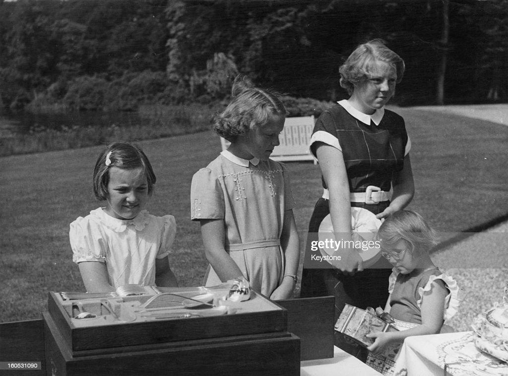 Dutch Princesses : News Photo