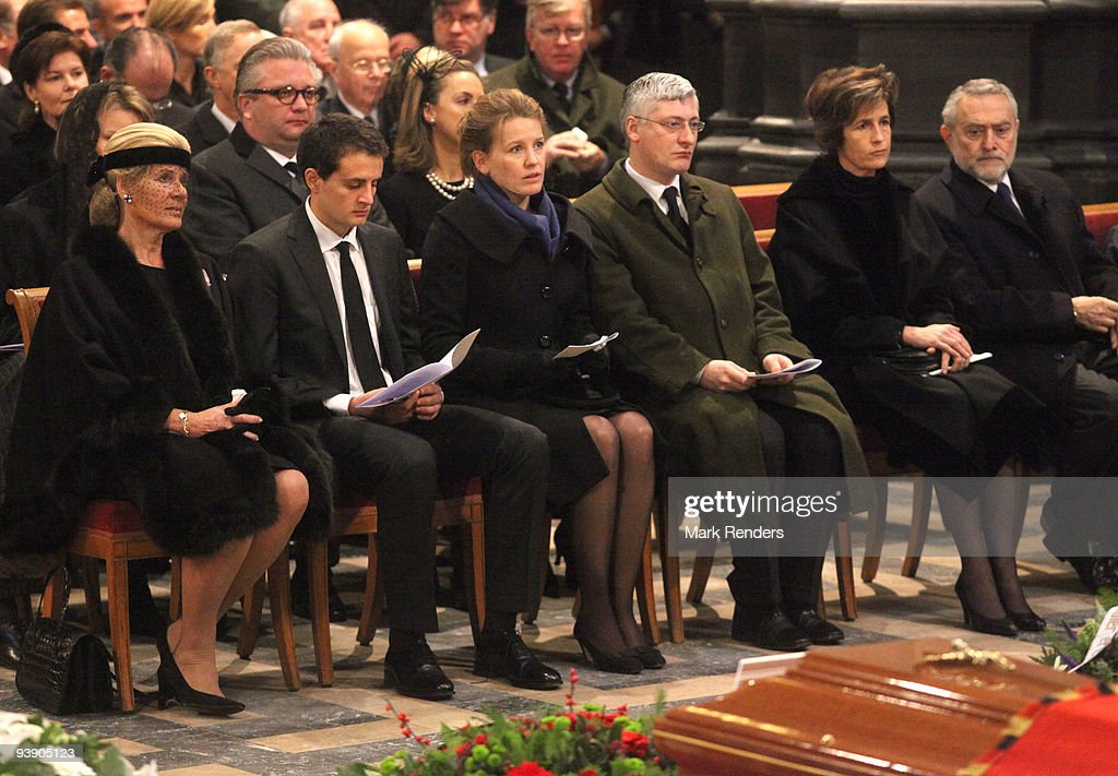 Princess Leah of Belgium, Renaud Bichara and Laetitia Bichara, Didier Magnant and Princess Esmeralda of Belgium and Salvatore Moncada attend the funeral of Prince Alexandre of Belgium at Eglise Notre-Dame de Laeken on December 4, 2009 in Laeken, Belgium.