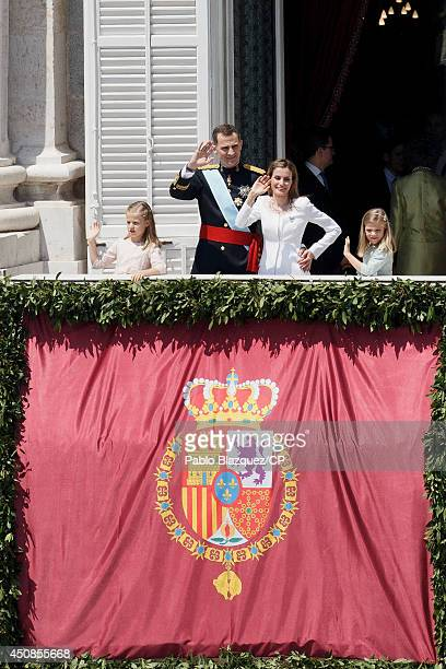 Princess Leonor King Felipe VI of Spain Queen Letizia of Spain and Princess Sofia greet wellwishers from the balcony of the Royal Palace during the...