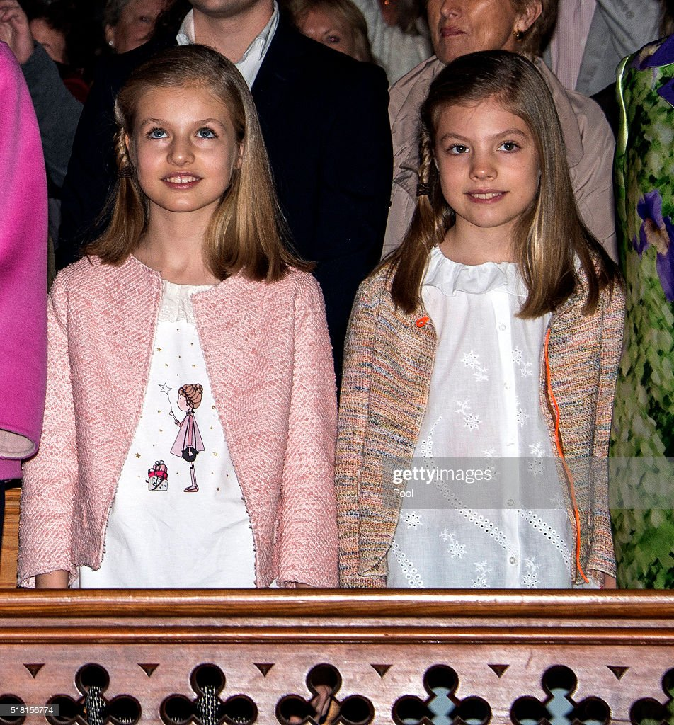Princess Leonor of Spain and Princess Sofia of Spain attend the Easter Mass at the Cathedral of Palma de Mallorca on March 27, 2016 in Palma de Mallorca, Spain.