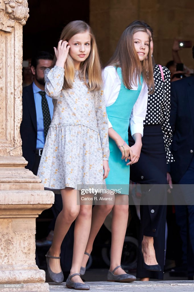 Princess Leonor of Spain (L) and Princess Sofia of Spain (R) attend the Easter mass on April 1, 2018 in Palma de Mallorca, Spain.