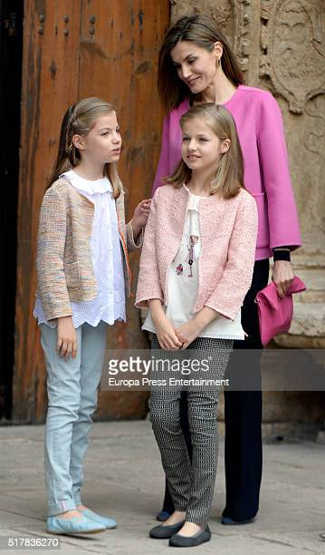 Princess Leonor of Spain Queen Letizia of Spain and Princess Sofia attend the Easter Mass at the Cathedral of Palma de Mallorca o on March 27 2016 in...