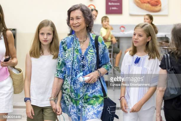 Queen Letizia of Spain and Princess Sofia visit a food market on July 31 2018 in Palma de Mallorca Spain