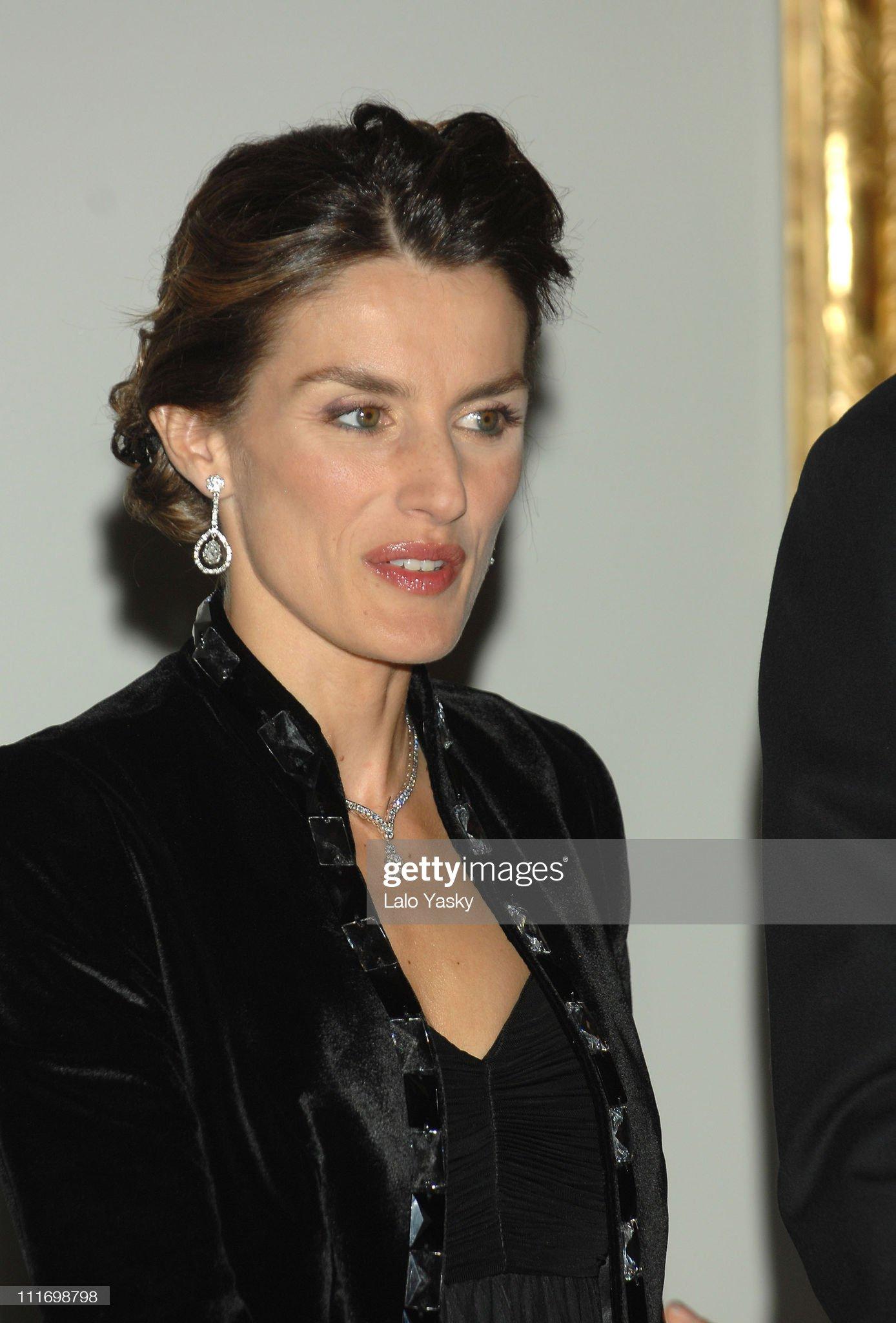 Вечерние наряды Королевы Летиции Spanish Royals Attend Opening Gala Dinner of Extension at El Prado Museum : News Photo