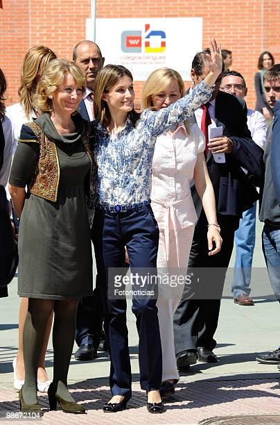 Princess Letizia of Spain and Esperanza Aguirre visit 'Joaquim Blume School' in Torrejon de Ardon on April 26 2010 in Madrid Spain