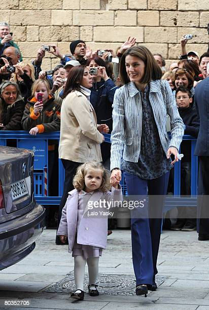 Princess Letizia of Spain and her daughter Leonor arrive at Palma de Mallorca's Cathedral to celebrate Easter Sunday Mass on March 23 2008 in Palma...