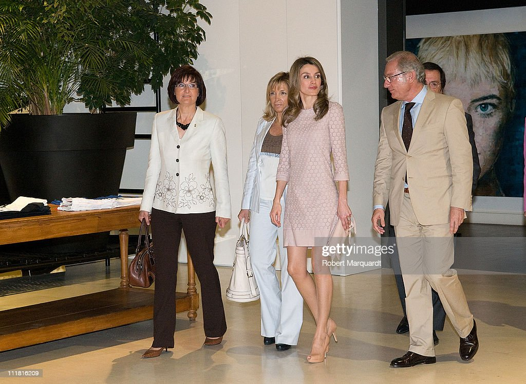 Princess Letizia Visits 'Mango' The Hanger Design Centre : News Photo